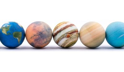 AstroReality: A Wonderful AR Solar System Set